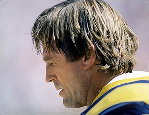 Jack Youngblood broken leg