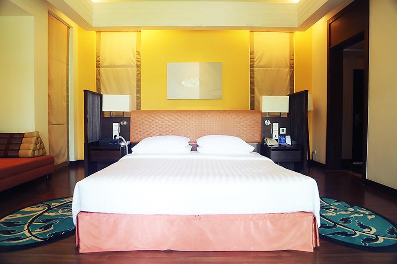 Radisson Blu Plaza Phuket hotel villa room