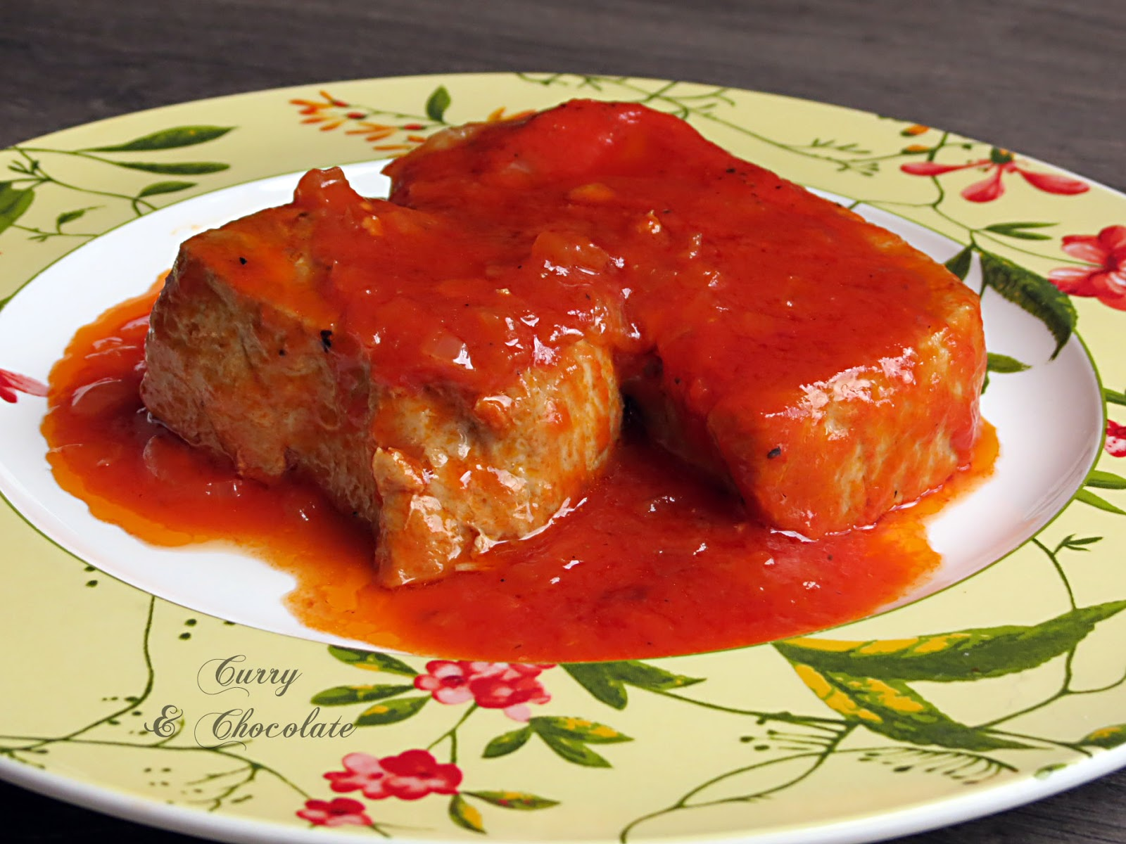 Atún con tomate a lo fácil -  Tuna with tomato sauce