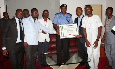 Photos; National Association Of Nigerian Students (NANS) Presents Honourary Certificate To Police IG