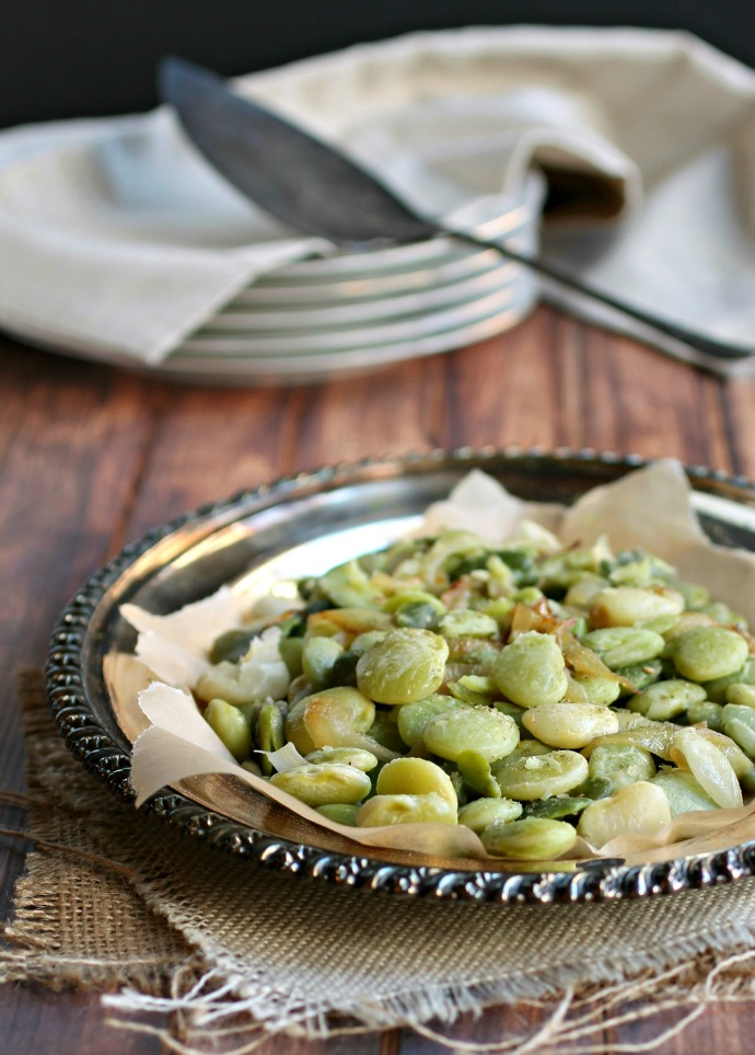 Fava Beans with Sauteed Onions and Za'atar