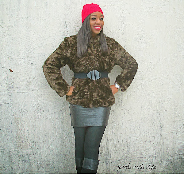 jewels with style, h&m fur coat, leather skirt, black fashion blogger, how to wear a beanie, wearing brown & black