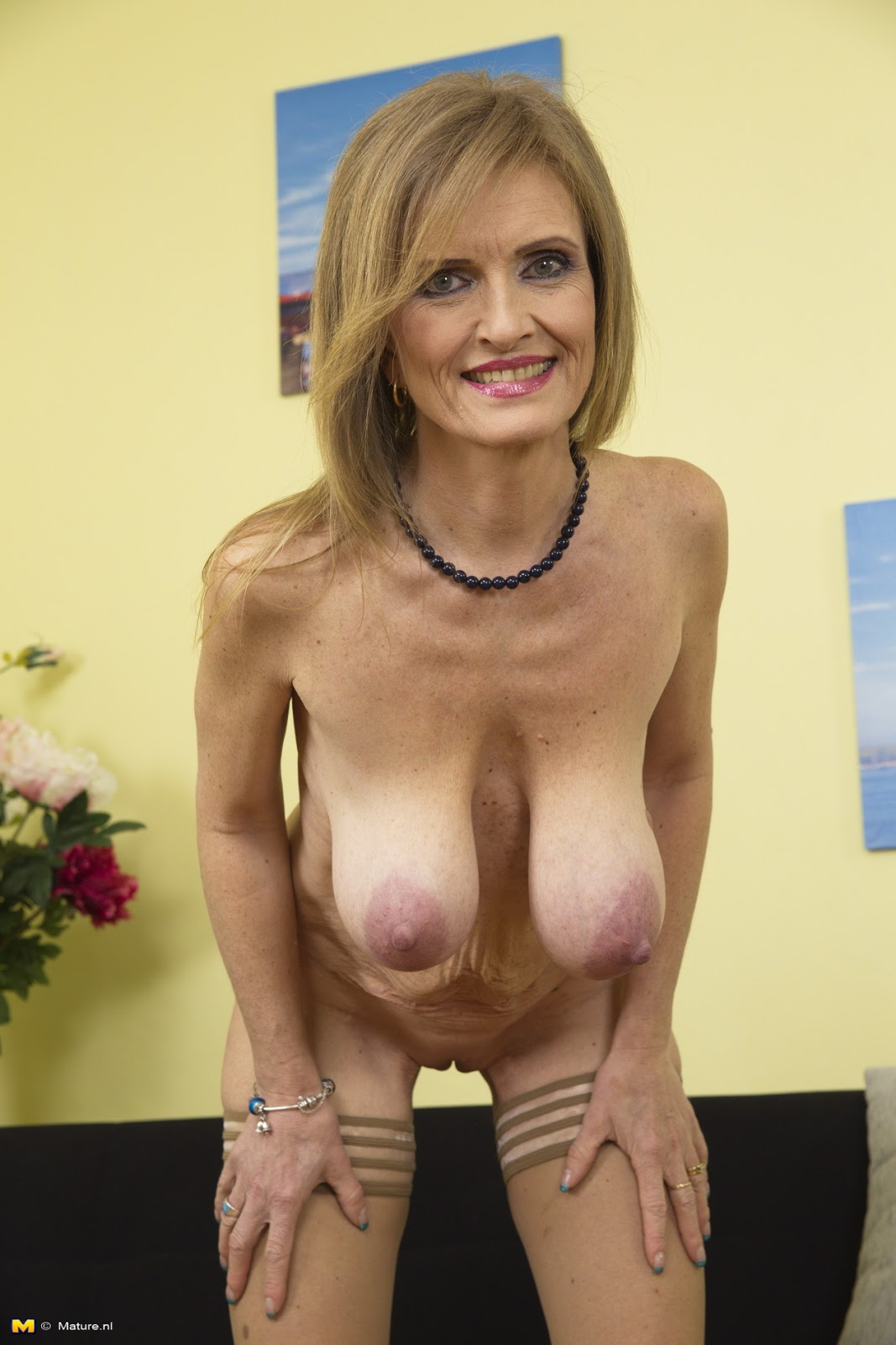 archive of old women .com: Naughty Tits Raina
