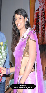 Shravya Reddy in low hip saree