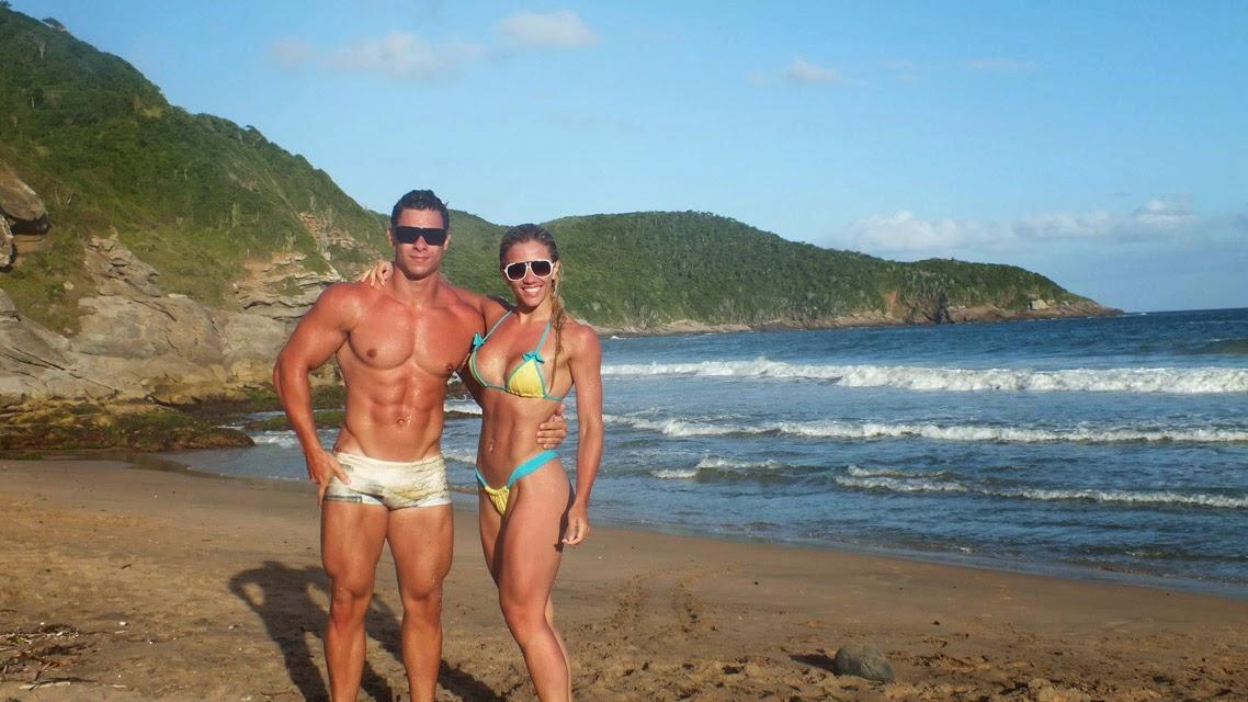 Léo Stronda e Roberta Zúñiga em praia de Búzios. Foto: Arquivo pessoal