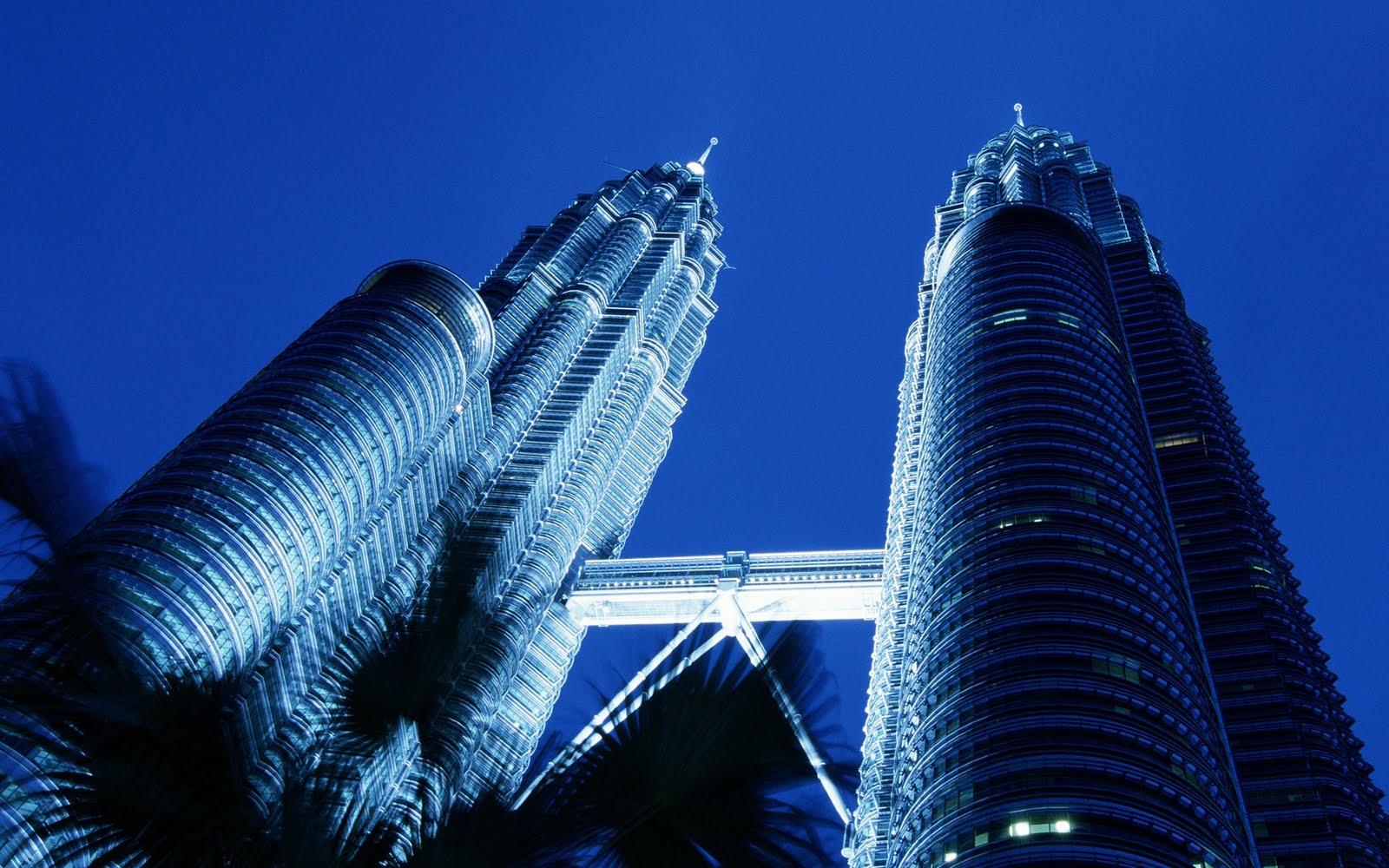 http://3.bp.blogspot.com/-c3W2VgqDi9E/Tc_iEcLBhtI/AAAAAAAABnU/pVdxJvh2rLo/s1600/skyscraper_3.jpg