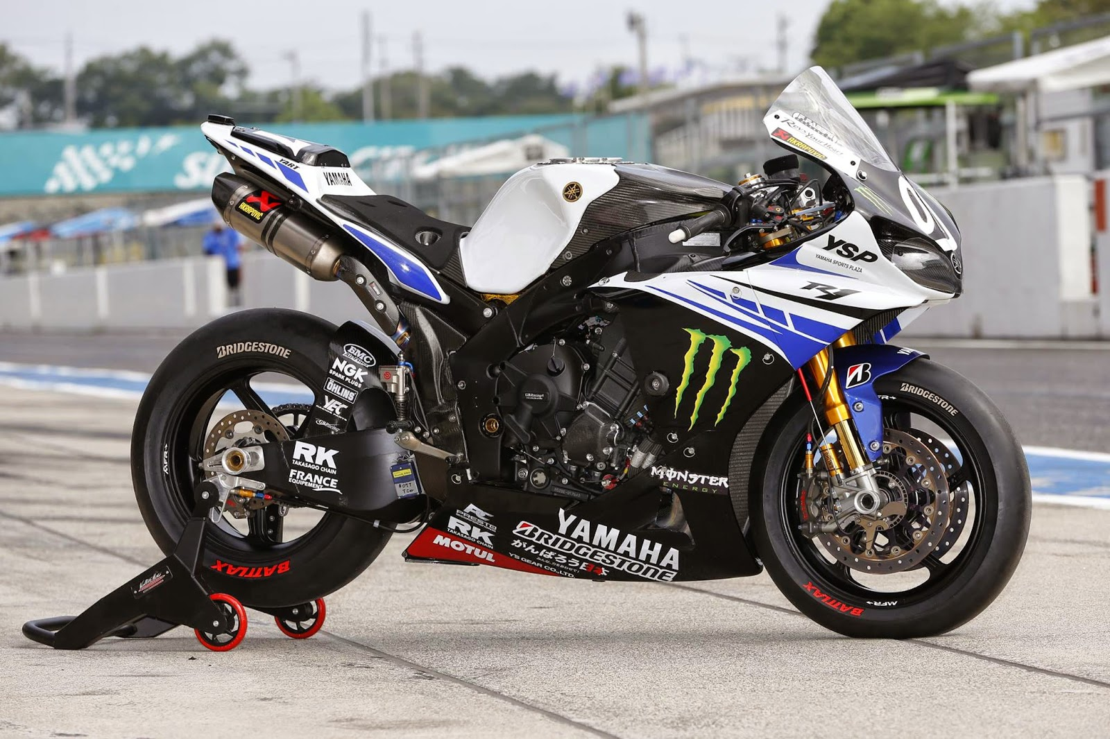 Planet japan blog 8 hours suzuka 2014 team yart for Yamaha r1 2014