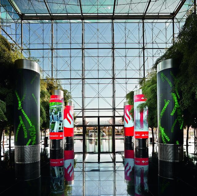 Columnas led de Banco Santander - Boadilla del Monte