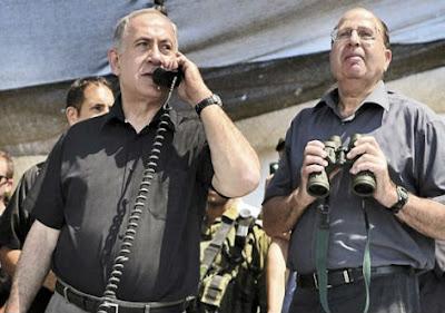 Benjamin Netanyahu e o ministro da Defesa, Moshe Yaalon.
