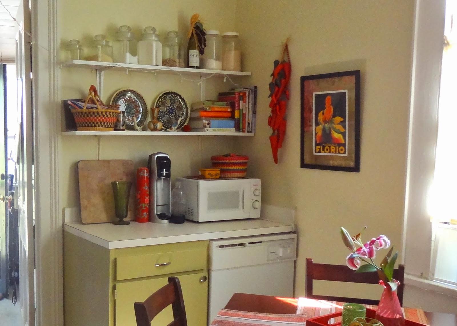 GYPSY YAYA: Open Shelvin\' In The Kitchen & Other Rental Kitchen Ideas