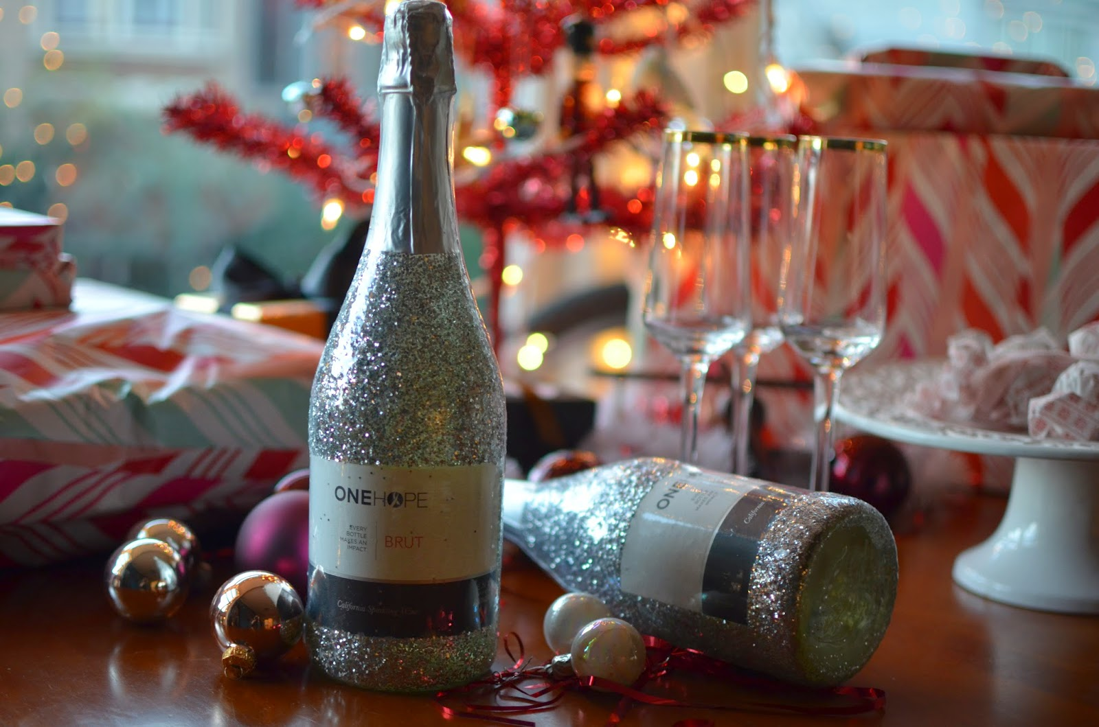 ONEHOPE, wine, Christmas time, holiday, wine, bubbly, libations