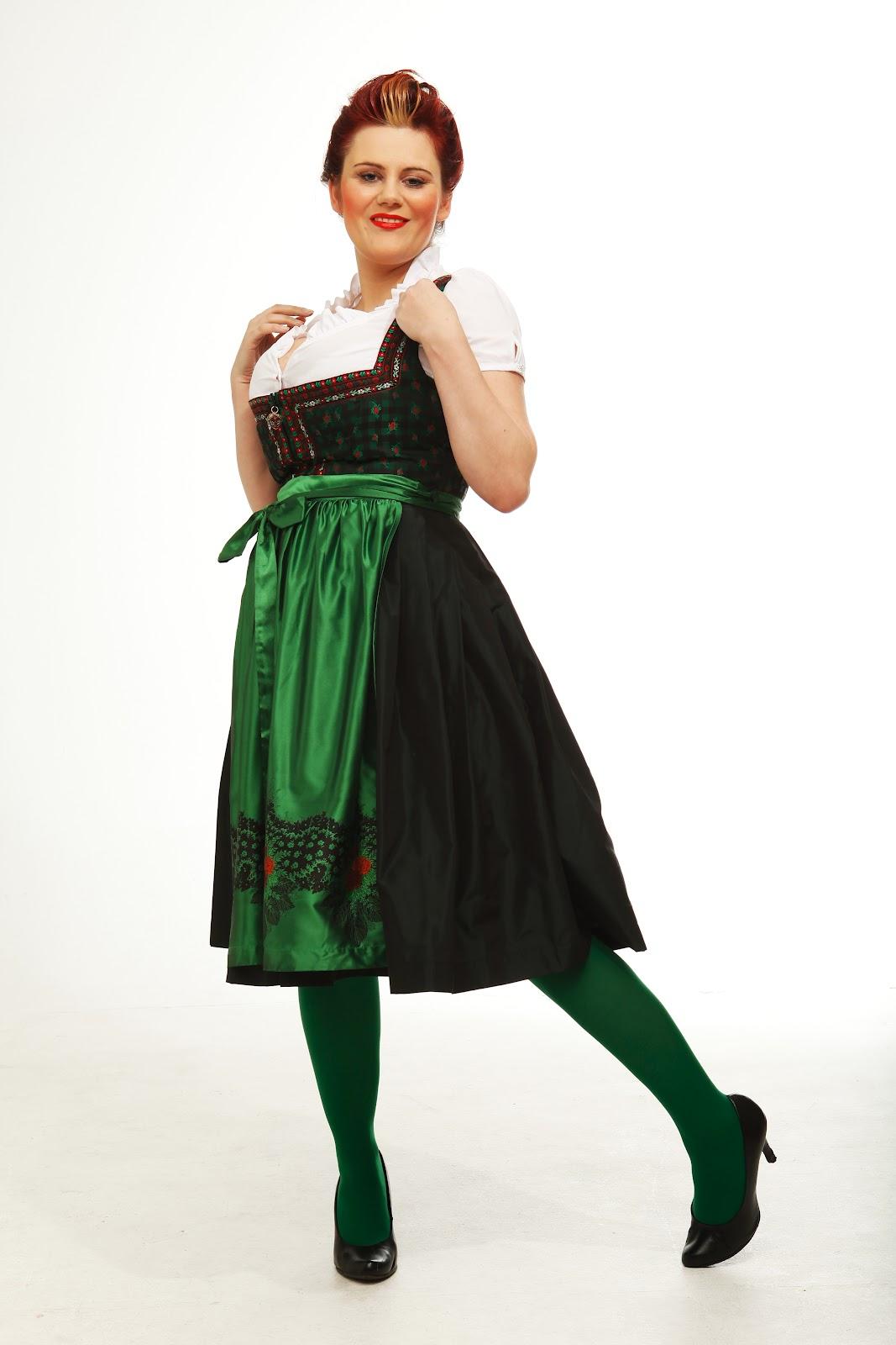 http://3.bp.blogspot.com/-c4OWNJGhvSY/TzrFiNhpcRI/AAAAAAAACDQ/6-X22hlQVDE/s1600/D07-12+rosie+lilly+green+-4.JPG