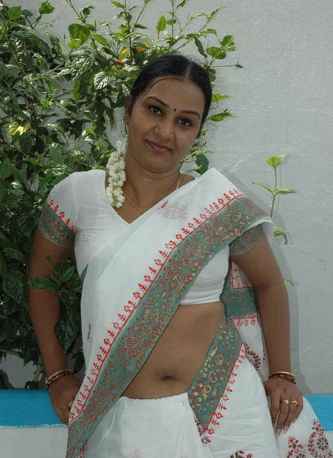 Andhra sexy approvaa aunty | ANDHRA SEXY AUNTIES