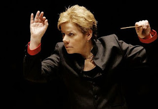 Marin Alsop conducting