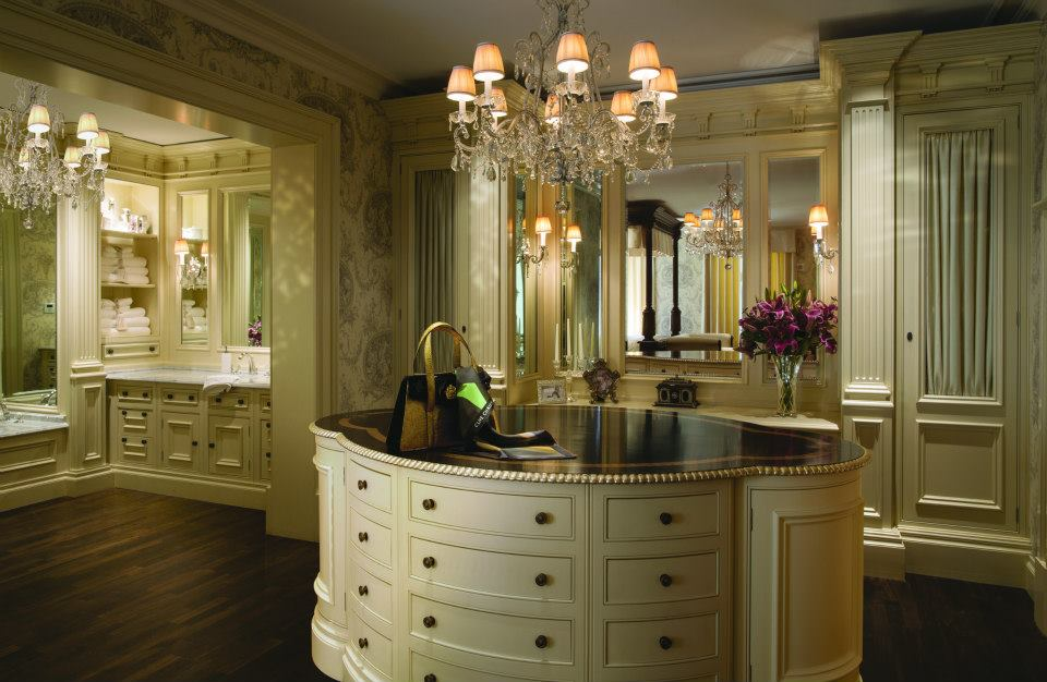 Superieur Architectural Ivory Painted Dressing Room With Island And A Walk Through To  A Stunning Architectural Bathroom