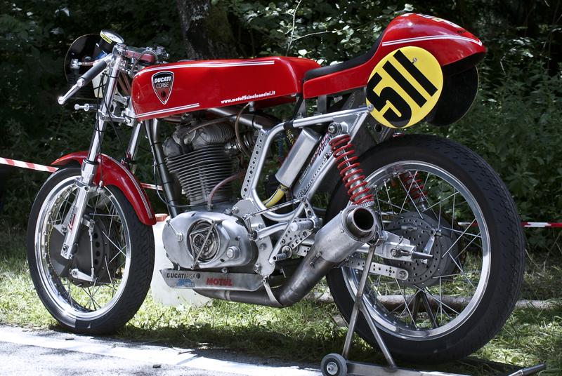 Ici on balance les Monos Ducati - Page 3 Ducati+Corse+Cafe