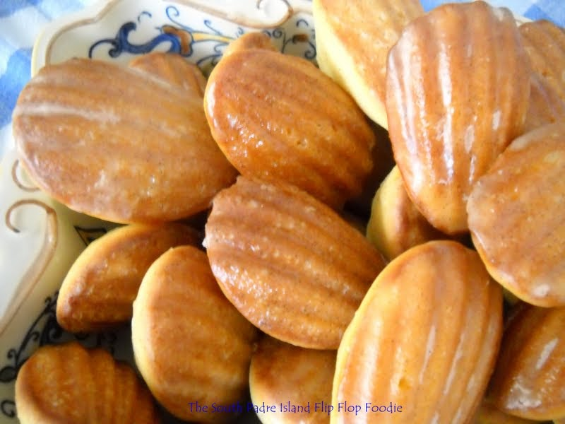 The South Padre Island Flip Flop Foodie: VANILLA BEAN MADELEINES