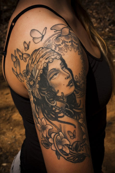 Posted by ram babu at 11 31 AMVintage Gypsy Tattoo