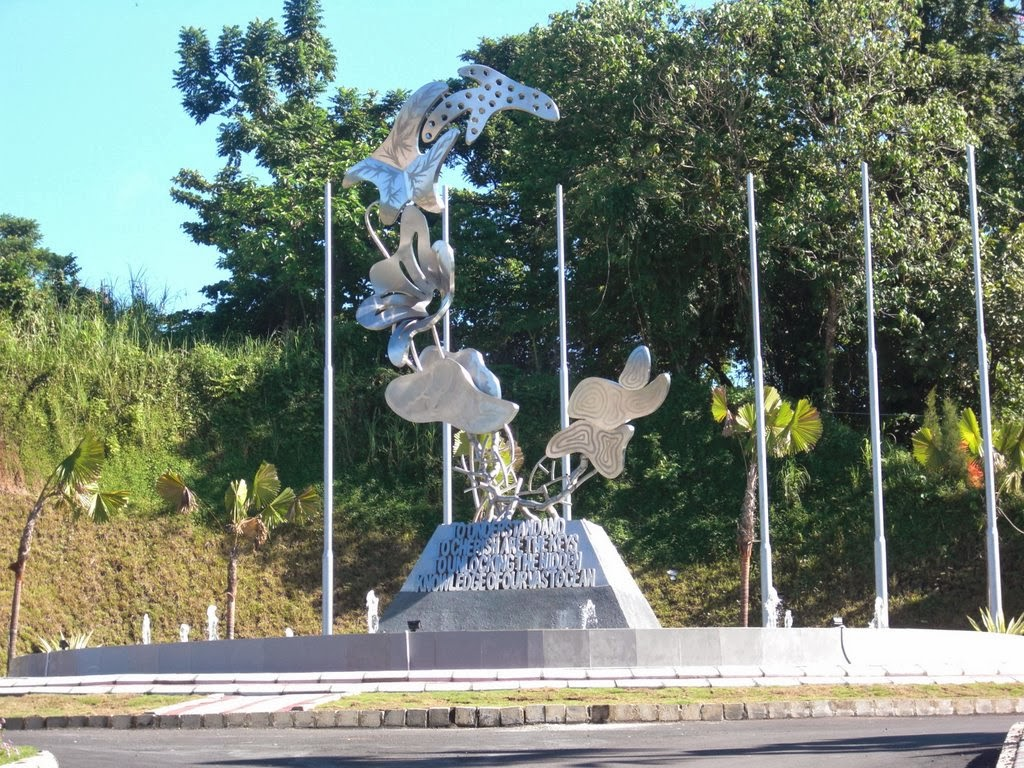 Monumen Coral Triangle Initiative di Manado