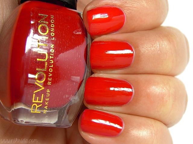 Makeup Revolution Nail Polish - Find the Love