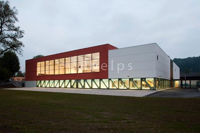 Turnverein, Wels - Arch. Gerhard Zwettler - Foto Andrew Phelps