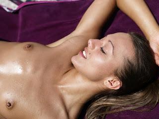 Hot Naked Girl - rs-DominikaCSunBed_090109_014xxxl-759835.jpg