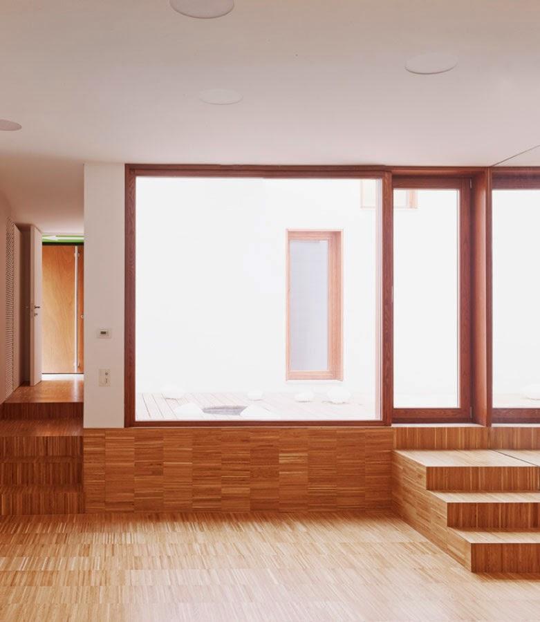 Ambiente interior comunicado con un patio interior