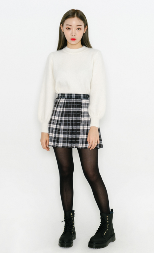 Solid-Colored Woolen Knit Sweater