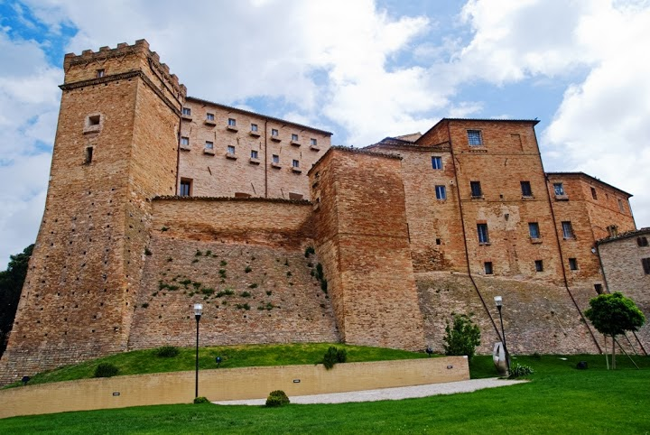 Loro Piceno - Castello alto medioevo
