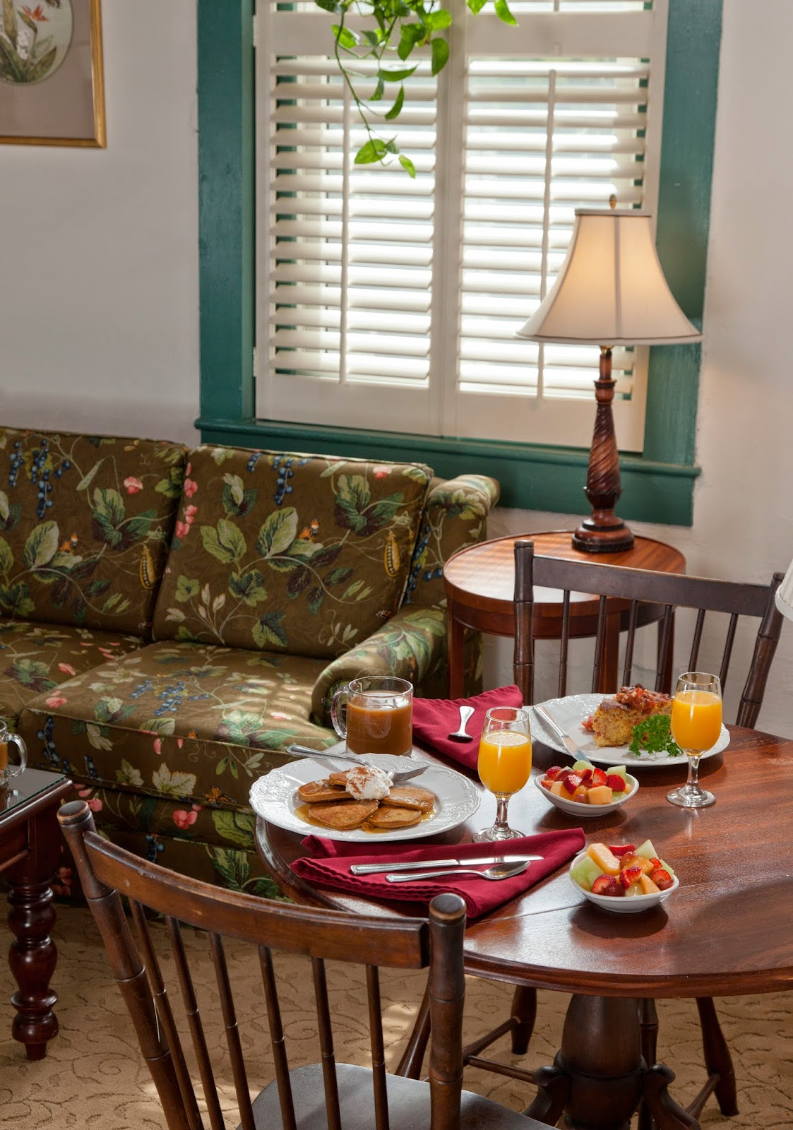 St Francis Inn Room of the Week: Elizabeth's Suite 2 stfrancis rooms elizabeth 03+3x+booking com St. Francis Inn St. Augustine Bed and Breakfast
