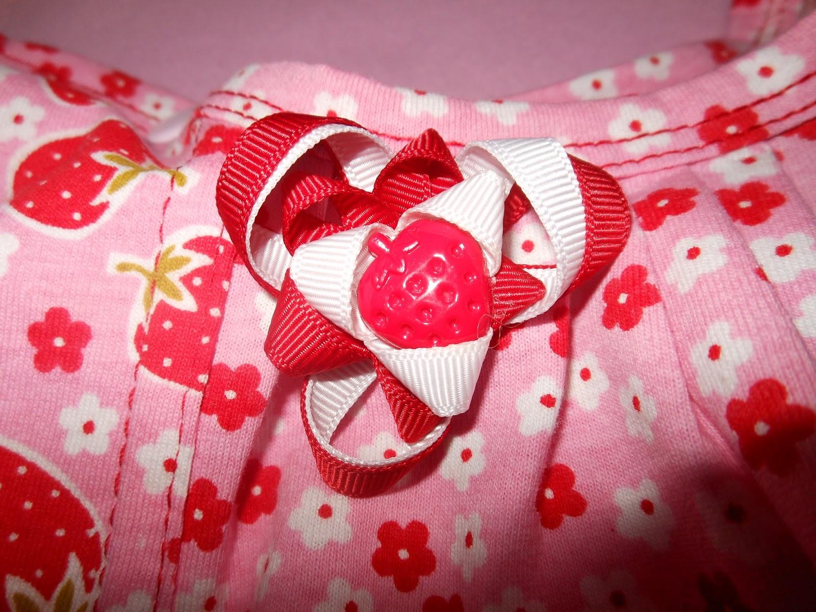 мастер-класс, как шить трикотаж, как шить на плоскошовке, красивые швы, как закрепить шов, плоскошовка, какие швы у плоскошовки, коверлок, как шить на коверлоке, правильно шить, как научиться шить, МК по трикотажу, украшение на детское платье, как сделать цветок из репсовых лент, как сделать цветок из атласных лент
