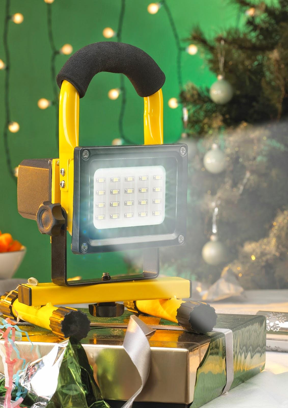http://www.beesleyandfildes.co.uk/faithfull-re-chargeable-led-work-light-ref-xms14maxlite/