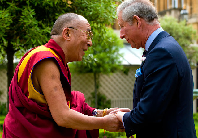 au revoir Nelson... Dalai-Lama-Rolex-Day-Date-with-Prince-Charles