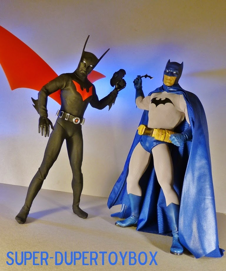 oedipus and batman compared Oedipus was similar to macbeth because both oedipus and macbeth were confronted and destroyed by a set of circumstances, oedipus by fate and macbeth by the.