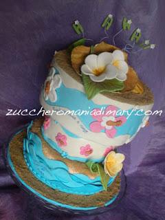 pasta di zucchero torta tropicale hawaiiana con fiori