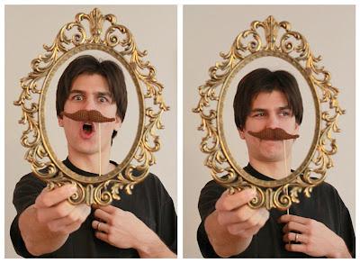 http://mamachee.com/2011/02/19/crochet-mustache-pattern/
