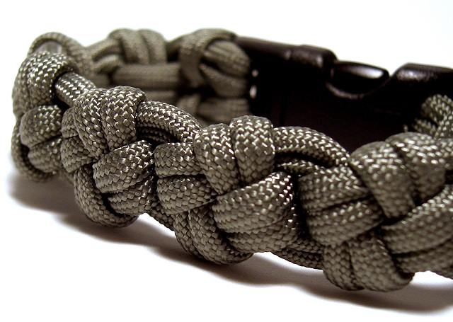 Stormdrane 39 s blog cross knot paracord bracelet and for Paracord cross instructions