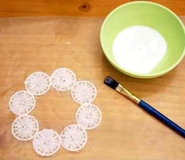 Cara Membuat Kerajinan Tangan Dari Botol Bekas , Vas Bunga :