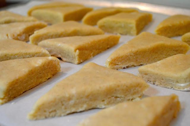 homemade-vanilla-bean-scones