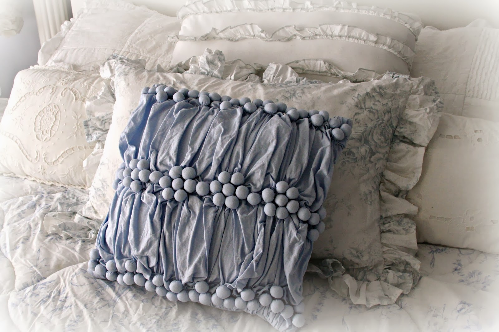 100 shabby chic throw pillows shabby cats and roses lovely