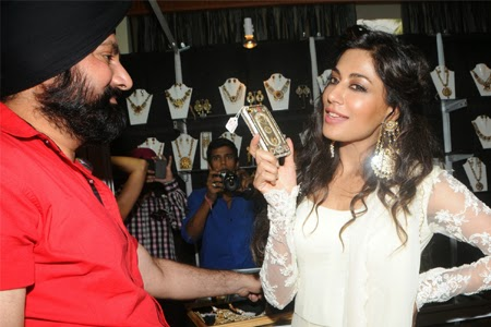 Chitrangda Singh Launch Glamour Jewellery Exhibition Photo Gallery
