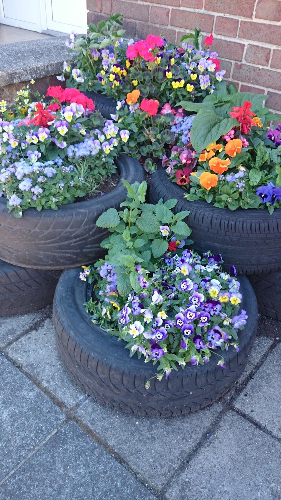 flower tyre display