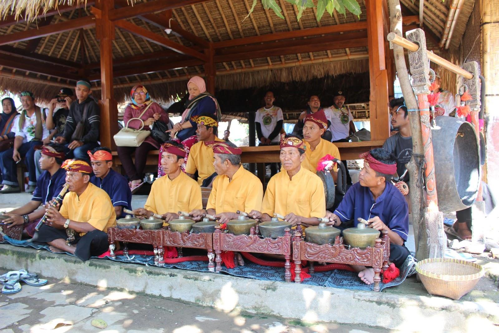 gamelan musik tradtional lombok