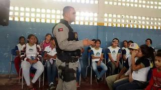 Combate as drogas: 9º BPM realiza palestra para mais de 300 jovens