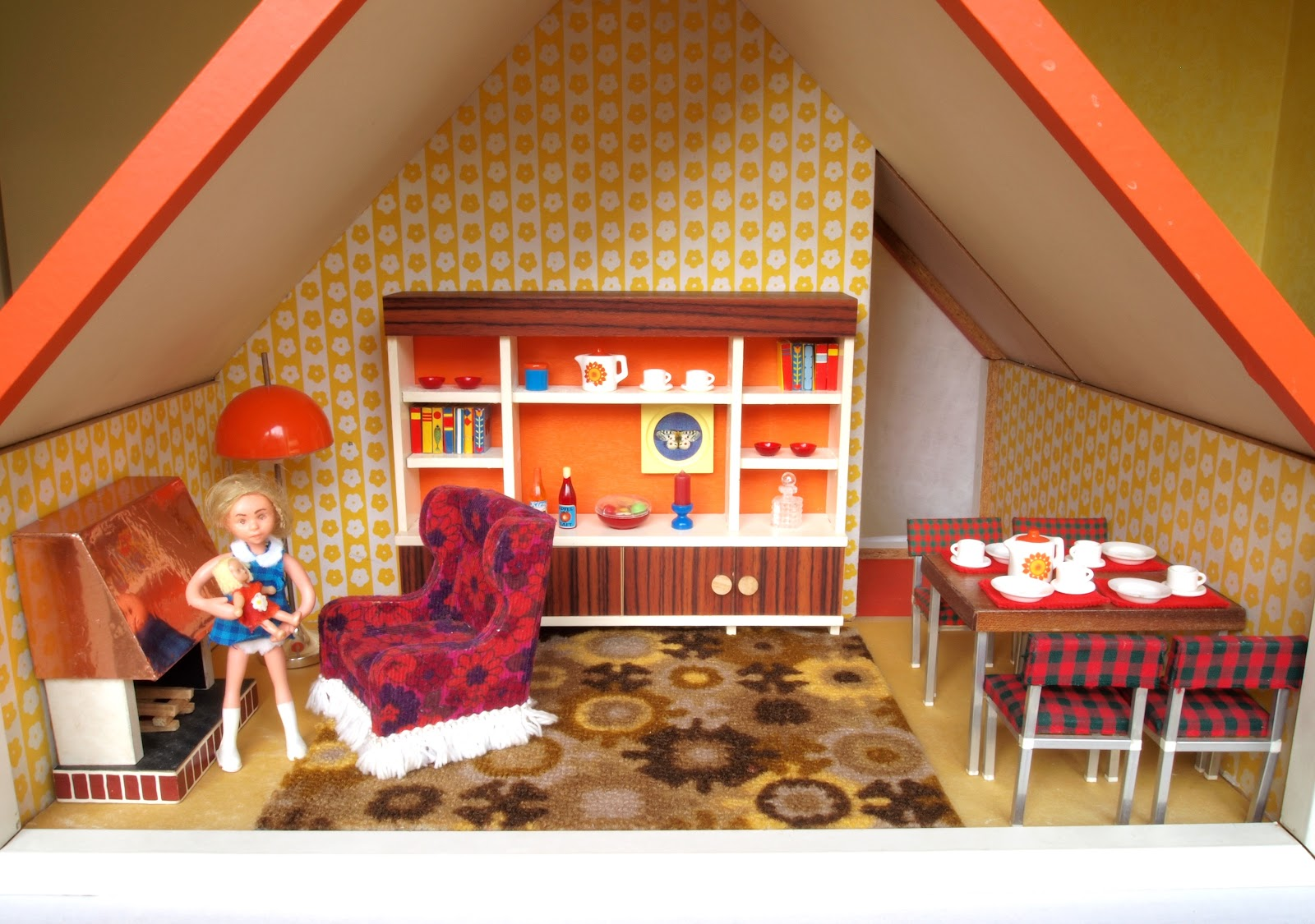 diepuppenstubensammlerin puppenhaus 1971 bodo hennig dolls house. Black Bedroom Furniture Sets. Home Design Ideas