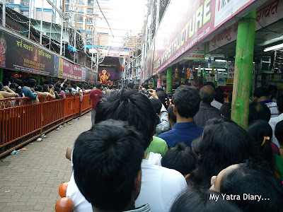 Long and narrow Mukhdarshan lines to meet the Lalbaugcha Raja during Ganesh Chaturthi celebrations