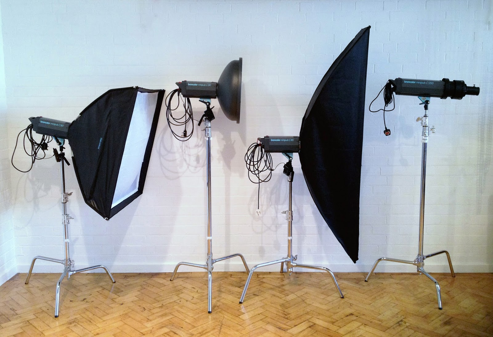 am studio lighting. I Am Often Asked About Studio Lighting, And What The Best Lighting Solutions For People Who Are Setting Up Their First Studios Are.