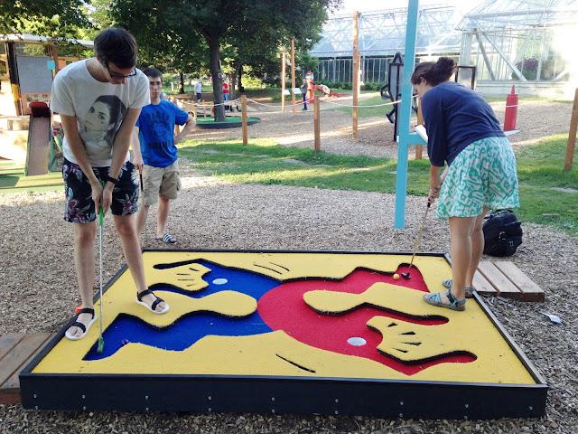 http://macalesterorange.blogspot.com/2015/08/summerorangecrew-swings-by-walker-art.html