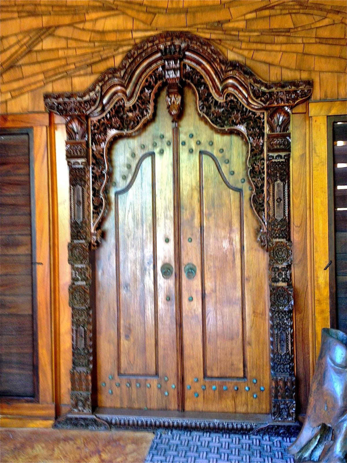 Ornately carved Balinese door & Small Things Bright and Beautiful: Doors pezcame.com