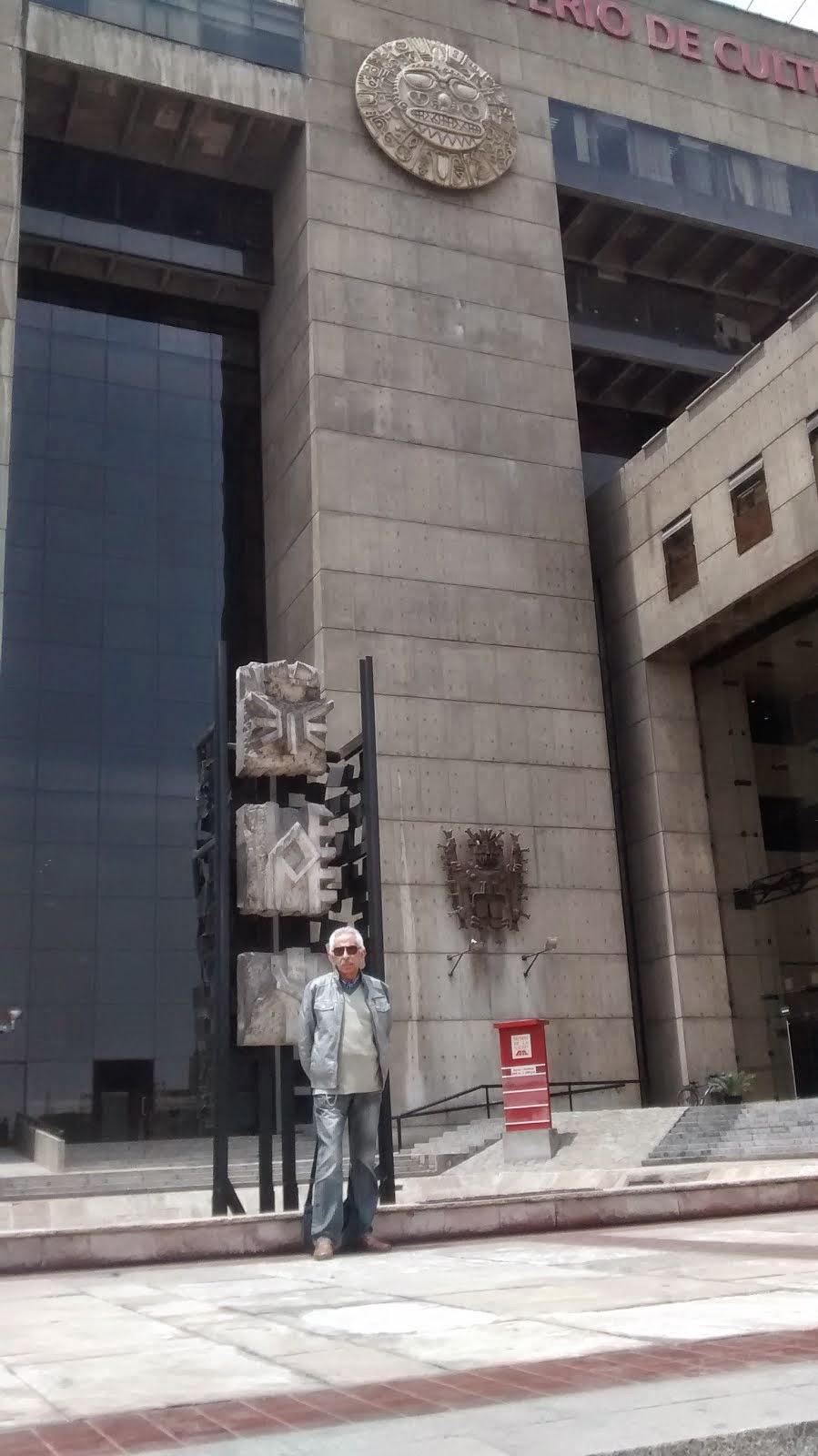 EN EL MUSEO DE LA NACION...